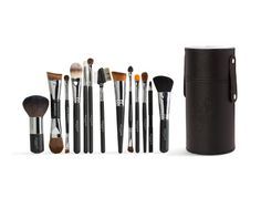 In this collection is all the face and eye brushes you need!