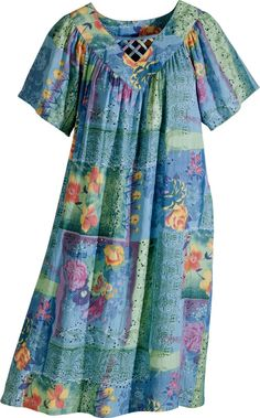 Our pastel patchwork muumuu dress is a delightful mix of eye-pleasing colors and cool cotton crinkled gauze. Stay comfy in this flattering V-neck muumuu. Cotton Nighties, Cotton Dresses, Muumuu Dresses, Casual Dresses, Fashion Dresses, Summer Dresses, Vestidos Sport, Vermont, Patchwork Dress
