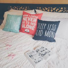 cupcakescoffeebooksnbones: Reading in bed. | prettybooks