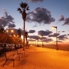 Lebanon, Beirut, ain el Mressieh Corniche at sunset