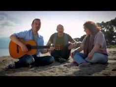 Τρίφωνο - Πάνω απ'όλα εσύ (Official Videoclip 2011) (+playlist)