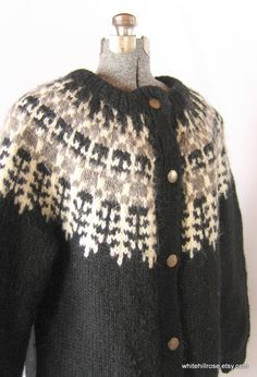 Knitting, winter and cozy - I wish I had the skills and the time to make this someday...