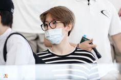 [HQ고화질]150622 Departure at Bangkok  #EXO #엑소 #Baekhyun #변백현 แล้วเจอกันอีกนะ  http://i.imgur.com/rOb1J9T.jpg