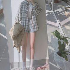 Korean Street Fashion - Life Is Fun Silo Korean Girl Fashion, Korean Fashion Trends, Korean Street Fashion, Ulzzang Fashion, Korea Fashion, Asian Fashion, Fashion Black, Teen Fashion Outfits, Edgy Outfits