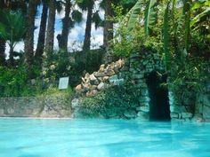 La Gruta Hot Springs, Guanajuato. Photo via Punk Travels
