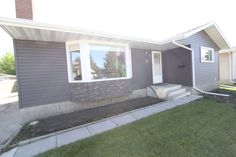 Extensively upgraded 5 bed/3 bath bungalow #ForSale in #RedDeer!