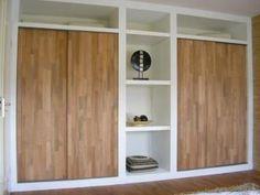Kastenwand wit met deuren van hout Basement Bedrooms, Closet Bedroom, Home Bedroom, Casa Patio, Piece A Vivre, Home Hacks, Interior Design Inspiration, Interior Design Living Room, Tall Cabinet Storage
