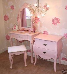 Vintage girls bedroom ideas pink furniture for adults best bedrooms on baby girl room . Vintage Bedroom Furniture, Pink Furniture, Bedroom Vintage, Shabby Chic Furniture, Bedroom Decor, Furniture Stores, Furniture Outlet, Furniture Ideas, Discount Furniture