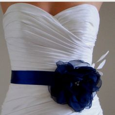 Don't usually like color on a wedding dress but I would love this and I could make with my shoes!