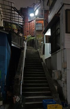 Cinematic Photography, Night Photography, Street Photography, Japanese Architecture, Art And Architecture, Japan Apartment, Japan Street, Urban Aesthetic, World Of Darkness