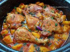 Pui cu cartofi si rosii la cuptor - Bunătăți din bucătăria Gicuței Pork Recipes, Chicken Recipes, Healthy Recipes, Easy Cooking, Cooking Recipes, Bio Food, Romanian Food, Healthy Meal Prep, Soul Food