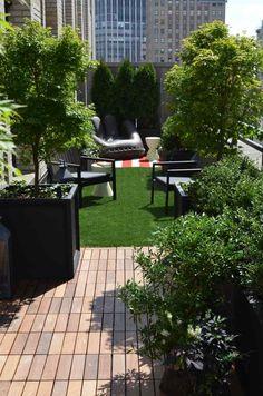 Kunstrasen auf der Terrasse - ein urbaner Garten