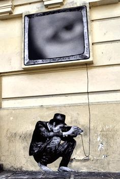 A.L. Crego, a motion designer who is having fun transforming the artworks of many famous street artists into animated GIFs, from David De La Mano to Pixel Pancho through Phlegm or Levalet.