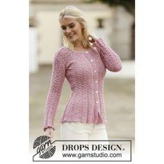 539de40d Fin og meget feminin strikket taljeret jakke med hulmønster. Jakken er  strikket i mercericeret bomuld