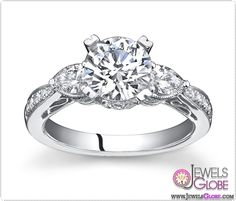 Vintage 3 stone ring 0.60ct and 0.75ct brilliant center in 14kt white gold