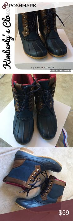 🛍TOMMY HILFIGER🛍 Duck Boots Women's TOMMY HILFIGER duck boots.  Navy with brown trim.  Fleece lined and insulated for warmth.  Size 7 but also fit size 7.5. Super cute, comfy, and warm!  Only worn one time - excellent condition. Tommy Hilfiger Shoes