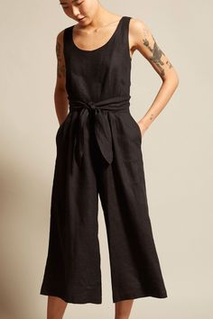 Have - black linen jumpsuit Simple Style, Style Me, Diy Clothes, Clothes For Women, Fashion Outfits, Fashion Tips, Fashion Hacks, Color Fashion, 80s Fashion