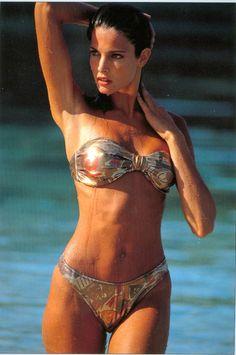 stephanie-seymour:    Stephanie SeymourSport's Illustrated Swimsuit, 1992