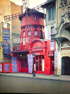 Autochrome of the Moulin Rouge of Paris - paris1914.com