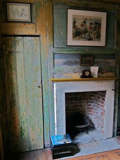 Home Interior Hamptons We could consider trying to find reclaimed old doors for any built-in wardrobes, rather than just getting modern ones made. Georgian Interiors, Georgian Homes, Cottage Interiors, Rustic Interiors, Anna Maria Garthwaite, Old Cottage, Cottage Style, Interior And Exterior, Interior Design