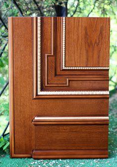 Образец межкомнатной двери. Изготовлено по эскизам дизайн студии. Материал - дуб. Багет -Ebanisteriamarelli.