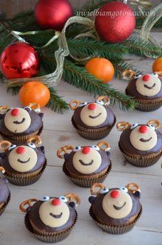 Handmade Chocolates, Christmas Cookies, Food, Xmas Cookies, Christmas Crack, Christmas Biscuits, Essen, Christmas Desserts, Meals