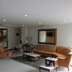 Recepcion Sofa, Couch, Best Western, Flat Screen, Furniture, Home Decor, Receptions, Blood Plasma, Settee