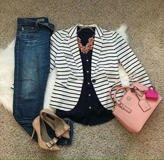 Flats instead of these heels, even though they are precious # Casual Outfits oficina flats Casual Work Outfits, Blazer Outfits, Business Casual Outfits, Work Attire, Classy Outfits, Cute Outfits, Striped Blazer Outfit, Work Fashion, Fashion Outfits