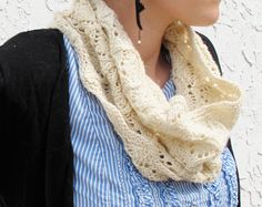 Pretty lace cowl free knitting pattern!