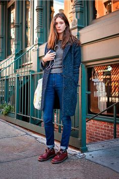 HOW TO WEAR: DARK BLUE. Read later. Like the style.