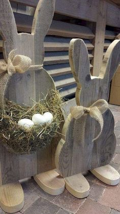 DIY Easter Wood Crafts which are a result of Labour, Love And Patience - Srirup Mazumdar . DIY Easter Wood Crafts which are a result of Labour, Love And Patience - Srirup Mazumdar - Ich Folge Spring Crafts, Holiday Crafts, Holiday Decor, Christmas Decorations, Hoppy Easter, Easter Bunny, Easter Eggs, Easter Projects, Craft Projects