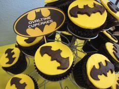 Batman Cupcakes-J would love these ;)