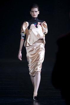 【13-14AWパリ】ニコラ最後の「ミュグレー」は、レトログラマラスなジェットセッター 18枚目の写真・画像 | ファッショントレンドニュース|FASHION HEADLINE