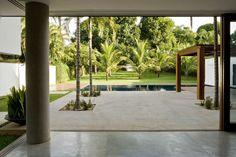 House 13 / Atria Arquitetos
