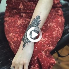 Post with 0 votes and 8539 views. My new sunflower wrist tattoo #sunflowertattos #sunflowertattoos #sunflowertattoos #tattoos #tattoos #wristtattoos #wristtattoos Mandala Wrist Tattoo, Flower Wrist Tattoos, Small Wrist Tattoos, Wrist Tattoos For Women, Sunflower Tattoos, Back Tattoo, Tribal Tattoos, Henna, Meet