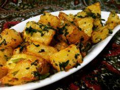 Patata harra: patate piccanti insaporite con il coriandolo.  Unica controindicazione: creano dipendenza.  #beirutpozzuoli