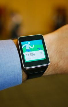 The Android Wear smartwatch apps are here.