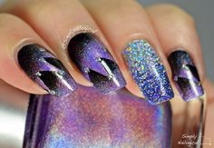 Déjà vu? Black and holo starburst scaled gradient with blinged out accent nail by simplynailogical