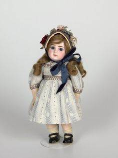 77.6485: doll | Dolls from the Early Twentieth Century | Dolls | Online Collections | The Strong