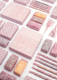 Candy Packaging Grenna Polkagriskokeri - Mindsparkle Mag Grenna Polkagriskokeri is one of many companies baking peppermint candy in Sweden. A new updated design was made including the packaging. Baking Packaging, Candy Packaging, Food Packaging Design, Pretty Packaging, Packaging Design Inspiration, Box Packaging, Branding Design, Corporate Design, Brochure Design