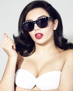 Charli XCX sells some sunglasses with sexy faces - Hollywood Gossip Charli Xcx, Beautiful Female Celebrities, Beautiful Women, Hollywood Gossip, Hollywood Celebrities, Female Singers, Wearing Black, Celebrity Crush, Celebs