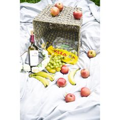 Picnic essentials you need! Picnic Essentials, Photoshoot Ideas, Dairy, Cheese, Food, Eten, Photography Ideas, Meals, Diet