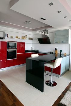 kitchen modern apartment Apartment in Slovakia Uncovering Modern Details With a Twist Small Kitchen Set, Kitchen Dining Sets, Modern Kitchen Cabinets, Kitchen On A Budget, Small Kitchen Appliances, Modern Kitchen Design, Cool Kitchens, Kitchen Decor, Kitchen Designs