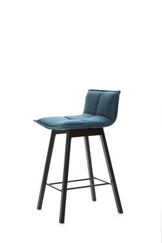 Harri Korhonen Lab Bar Chair - Lab Bar chair is available in two heights. A high Lab table is presented along with the low bar chair. Adirondack Chair Cushions, Lounge Chair Cushions, Bar Counter Design, Comfortable Living Room Chairs, Designer Bar Stools, Chaise Bar, Round Chair, Restaurant Chairs, Bar Chairs
