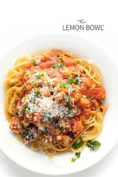 The last bolognese recipe you'll need to make! It's easy to cook, tasty and flavorful (and freezes well too)! Friends and family approved this hearty pasta dish! Easy Turkey Recipes, Yummy Pasta Recipes, Ground Turkey Recipes, Lunch Recipes, Dinner Recipes, Healthy Recipes, Dinner Ideas, Turkey Bolognese, Bolognese Recipe