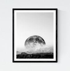 Moon Black and White Photography Mountain print par LionartPrints