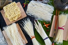 Learn about the different types of Chinese noodles, including cooking instructions and recipes for Szechuan and hand-pulled noodles. Vegan Noodles Recipes, Chinese Noodle Recipes, Paleo Recipes, Easy Recipes, How To Cook Beans, How To Cook Pasta, Chinese Coleslaw, Korean Noodles, Ramen Noodles