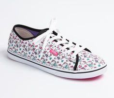 I looooooooooooooooove these shoessss!!!!  U x Hello Kitty Authentic Lo Pro: White Face