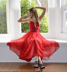 Omg..love this dress!    Strapless Red Chiffon Prom Dress Vintage 1950s  S  by empressjade, $115.00