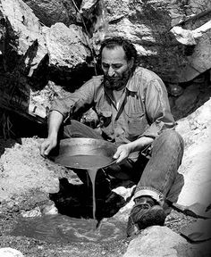 Many do not know that DeGrazia was interested in gold prospecting. He was somewhat successful in finding gold and other precious metals that were extracted from streams and mountainsides using panning techniques. The prospector lifestyle was fascinating to him and he was able to earn extra money by panning for gold.